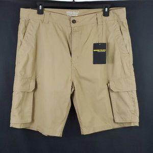 Rugged Trails Cargo Shorts/Tan/Size: 40 (460)